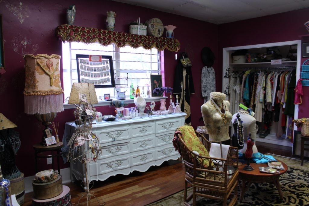 Downtown Dunedin Day Trip: Vintage Clothing + Decor at Roadside Attraction